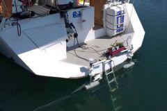 2 Minn Kota-Motoren auf dem Heck eines Segelbootes montiert?